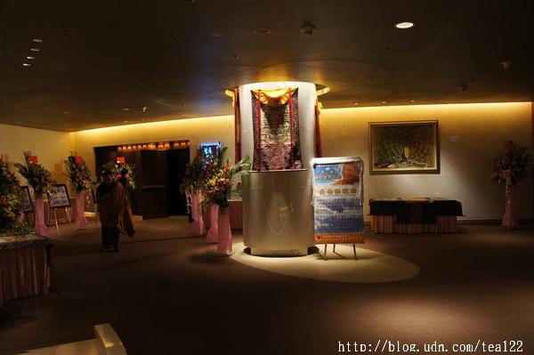 直貢澈贊法王來台弘法,17日於台中裕元酒店國際演講廳舉辦長壽佛灌頂法會。